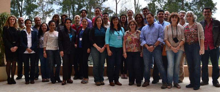 Equipo de Trabajo del Proyecto en el que participarán personas de 12 paises latinoamericanos